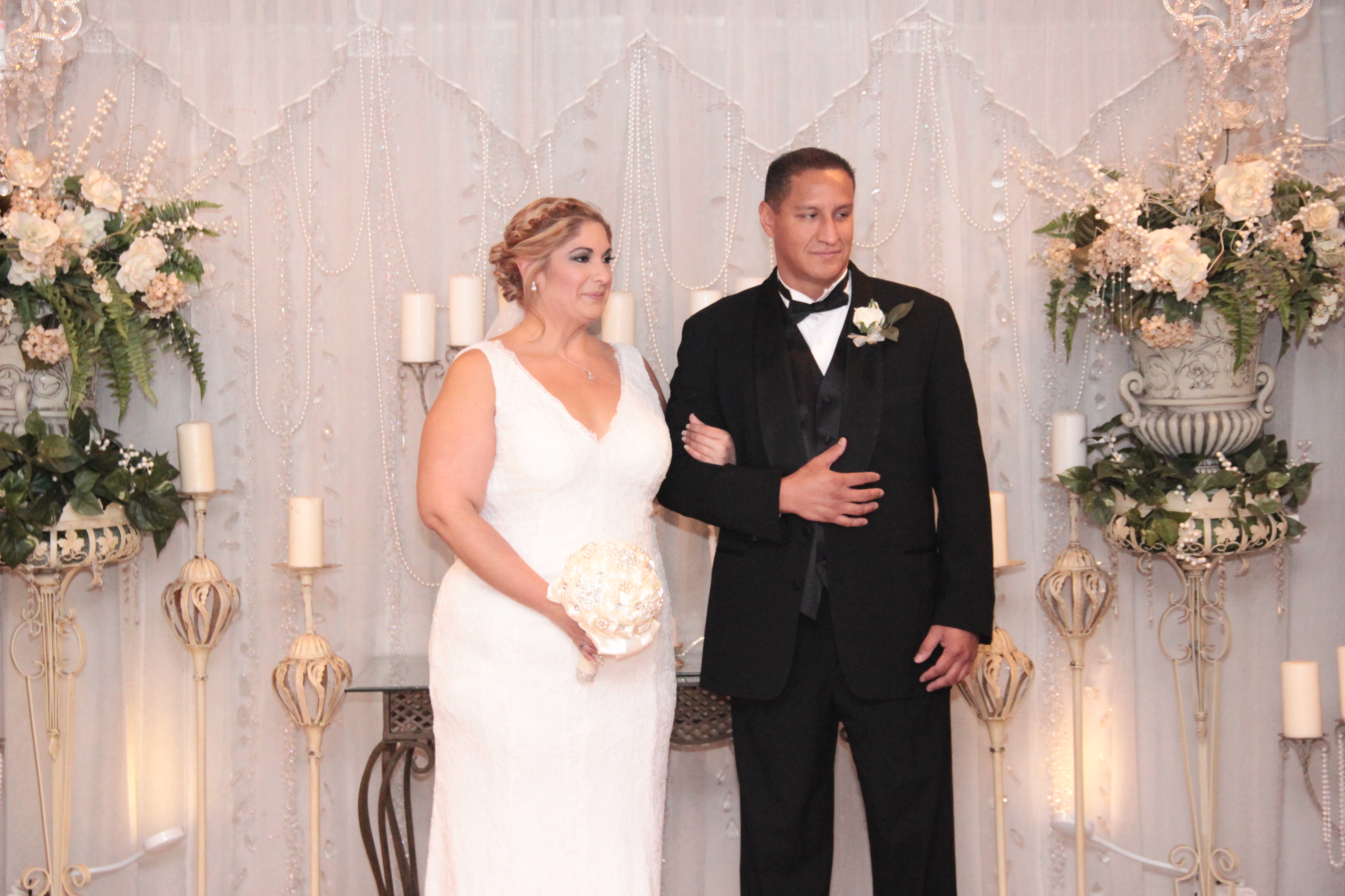 Photos vegas weddings las vegas weddings las vegas for Las vegas wedding online