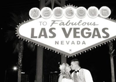 las-vegas-welcome-sign-wedding