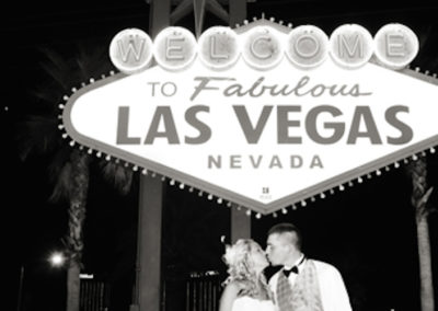 las-vegas-welcome-sign-wedding